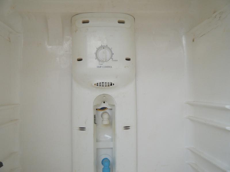 r frig rateur frigo pas de froid congelateur fonctionne far r2480nf r par. Black Bedroom Furniture Sets. Home Design Ideas