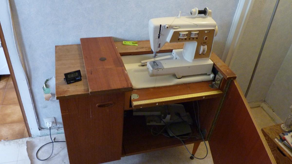 Pieces machine coudre singer 740 760 annonce apprenez tout r parer - Meuble machine a coudre singer ...